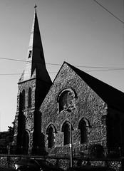 Eglwys Dewi Sant a'r Santes Helen, Caernarfon