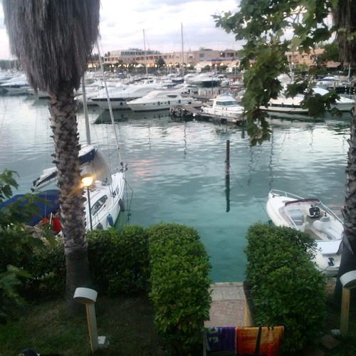 Vista dalla nostra terrazza su uno dei canali di Marina di Portorosa