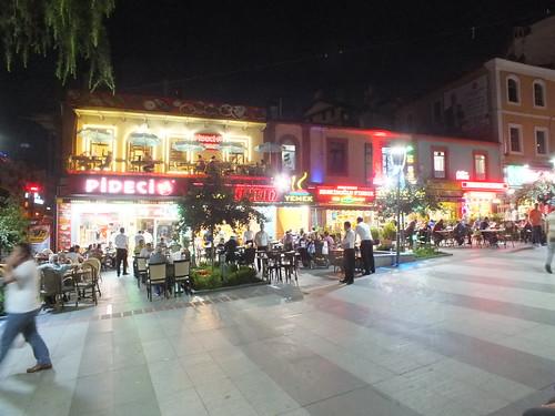 Zajlik az élet Trabzonban