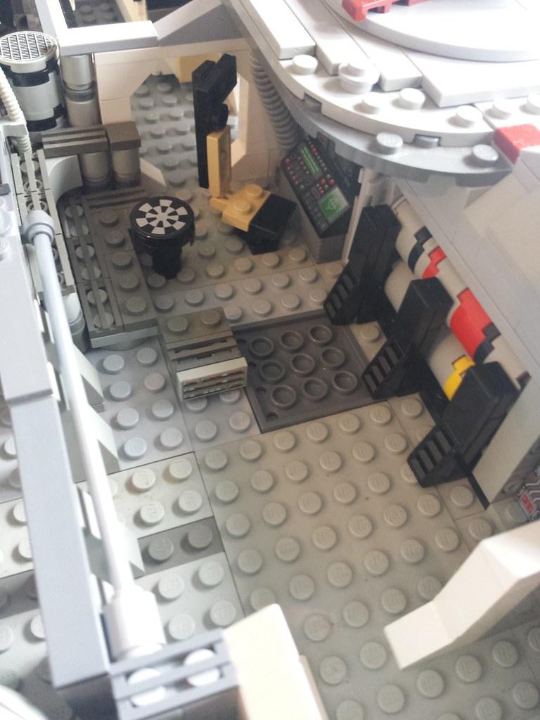 Lego Millennium Falcon interior main 2