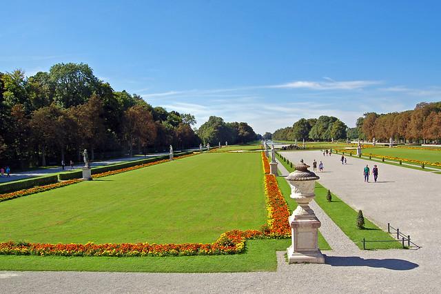 München - Schloss Nymphenburg (13) - Schloss-Rückseite