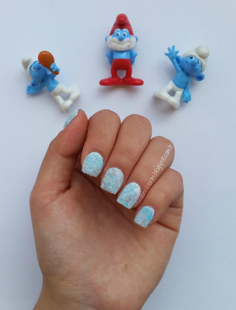 Smurfs Nail Art