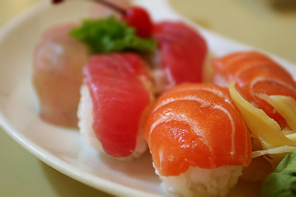 握壽司,鮪魚特別小塊XD