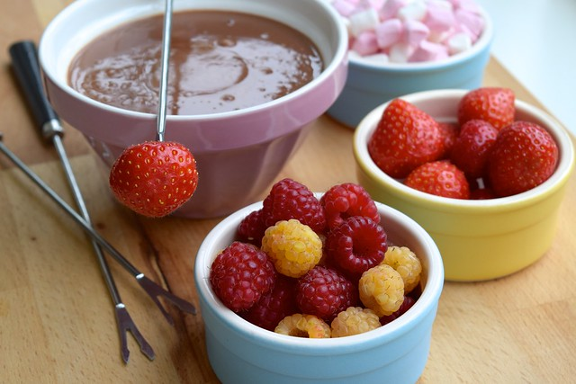 Last Minute Charbonnel et Walker Hot Chocolate Fondue with Summer Fruits