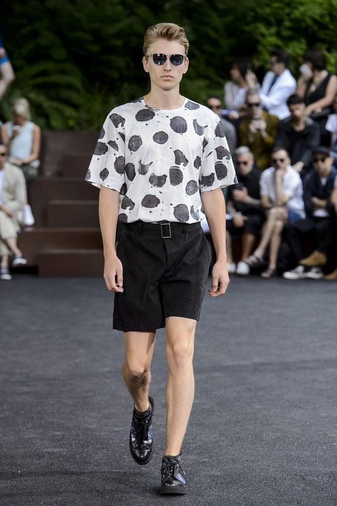 Jeroen Smits3263_SS16 Paris Issey Miyake(fashionising.com)