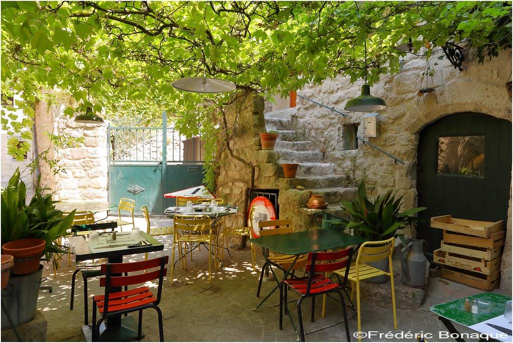 Terrasse provençale. - Download Photo - Tomato.to - Search ...