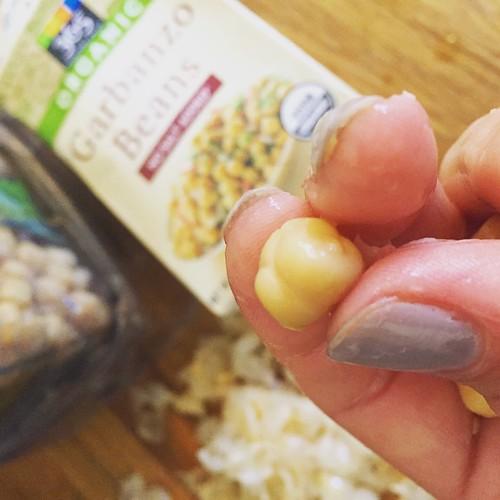 Peeling garbanzo beans