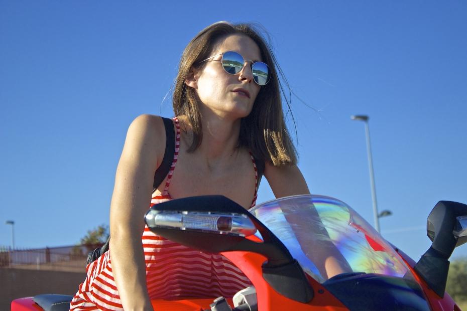 lara-vazquez-madlula-style-fashion-blog-rounded-glasses
