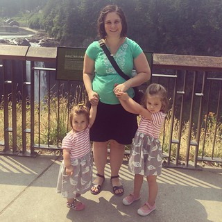 #tbt to last Thursday at Snoqualmie Falls, holding onto these toddlers' hands for dear life. #anxiousmomisterrifiedofheights