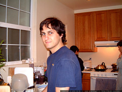 sean washing dishes at 1337 29th ave   dscf0719