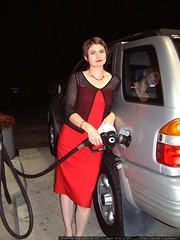rachel pumping gas in her red dress   dscf5889