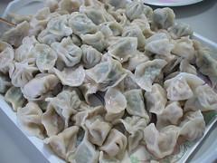 khinkali(0.0), manti(1.0), mandu(1.0), momo(1.0), wonton(1.0), pelmeni(1.0), produce(1.0), food(1.0), dish(1.0), shumai(1.0), varenyky(1.0), dumpling(1.0), pierogi(1.0), jiaozi(1.0), buuz(1.0), cuisine(1.0),