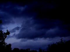 thunder(0.0), thunderstorm(0.0), lightning(0.0), cumulus(0.0), dusk(0.0), storm(1.0), cloud(1.0), darkness(1.0), night(1.0), sky(1.0),