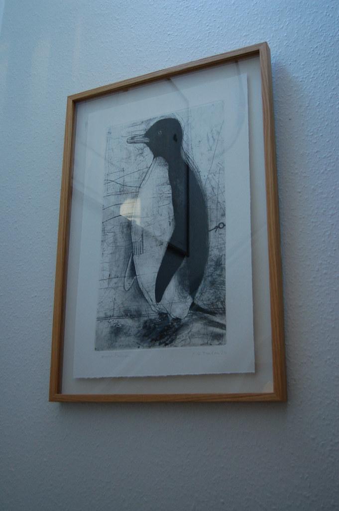 Framed penguin, photographed by iHanna 2006