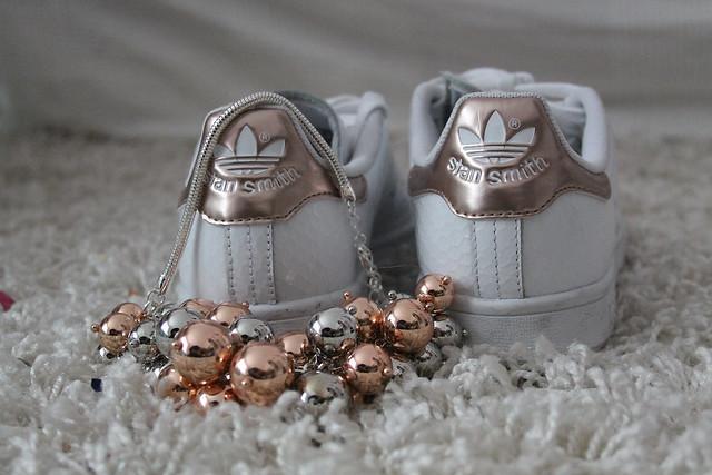 stan-smith-weiß-rosegold-adidas-sneaker-schuhe-look-style-fashionblog-modeblog