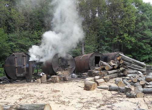 Як на Костопільщині виробляють вугілля