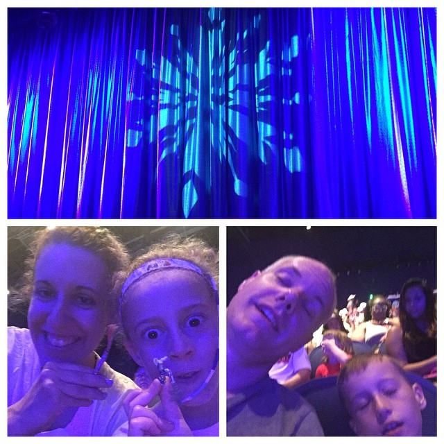 Almost time for the best part of the day! Frozen Sing-along! ❄️❄️❄️💙💙💙 #boyswillbeboys #Disney #frozen #hollywoodstudios