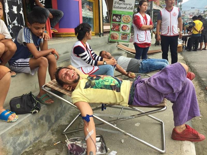 Donando sangre en Phokara