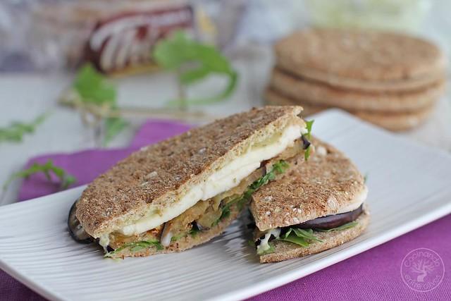 Sándwich Thins de berenjena y pesto (2)