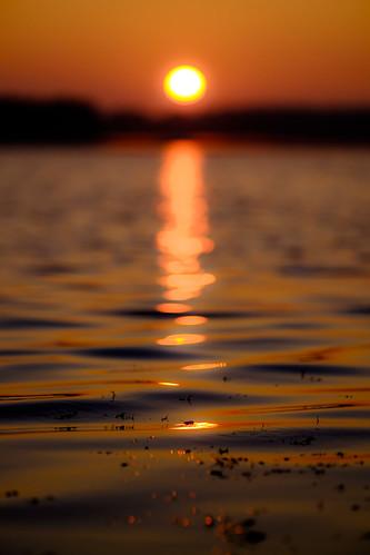 fujifilm xt1 fujinonxf90mmf2rlmwr sunrise dawn morning water waves lake reflection nature outdoor landscape minimalist minimalism