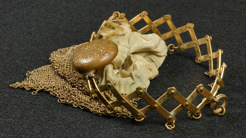 RD9267 Vintage West Germany Brass Expanding Ladies Mesh Link Purse Handbag DSC07893