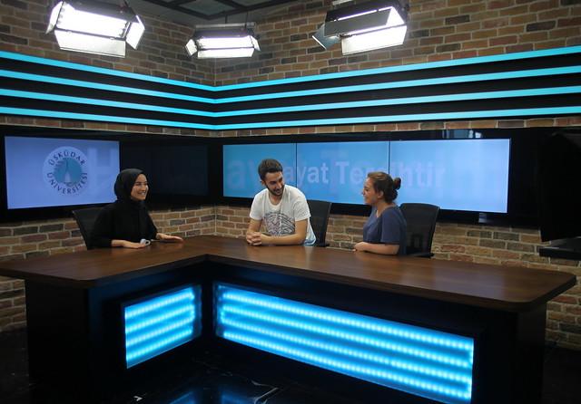 Üsküdar Üniversitesi iletişim öğrencileri için Radyo-Tv stüdyoları kurdu