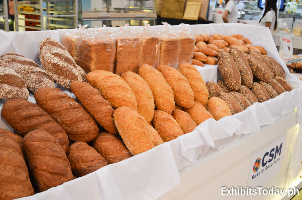 Bread Displays at J-Channel Trade Show Booth