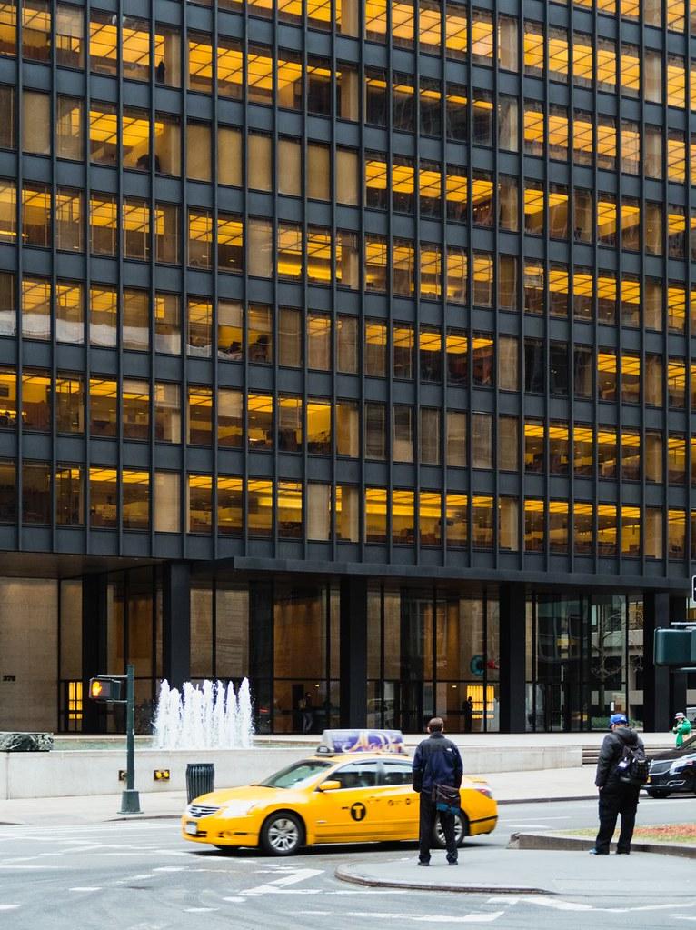 Ludwig Mies van der Rohe. Seagram building #11