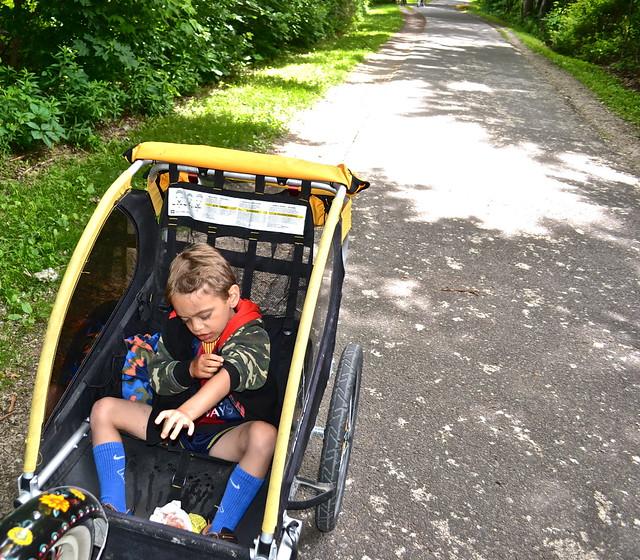 bike rentals - burlington vermont - child carriage attachments