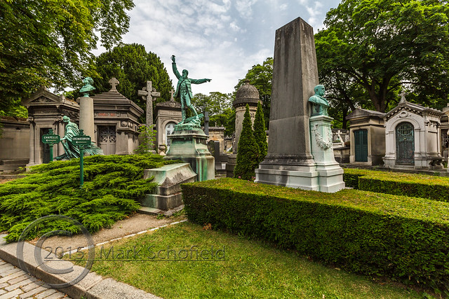 Paris June 2015 (8) 276 - Cimetière du Père-Lachaise - The Père Lachaise Cemetery, largest in the city