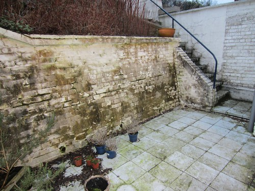 Photo d'une terrasse avant travaux.