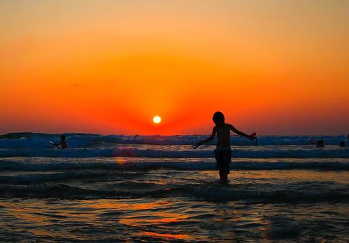 sunset sea sky reflection beach canon israel telaviv silhouettes sigma bathing sigma1020 canon600d canont3i canonkiss5