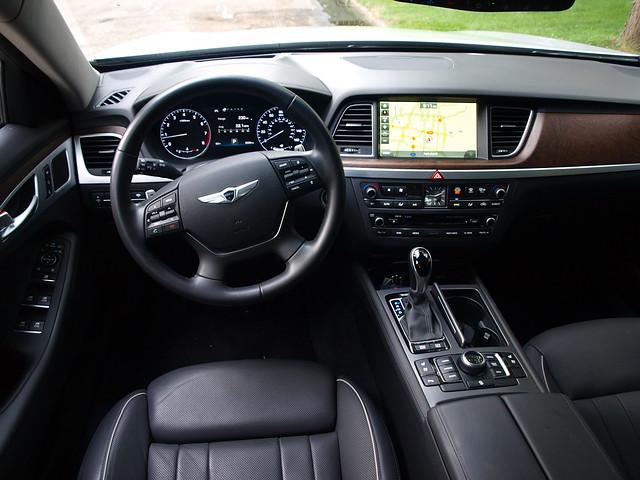 2015 Hyundai Genesis 5.0 interior