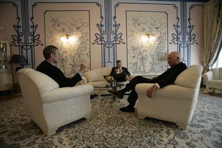Vice President Cheney Talks with David Addington and John Hannah at the House of Chimeras in Kiev, Ukraine