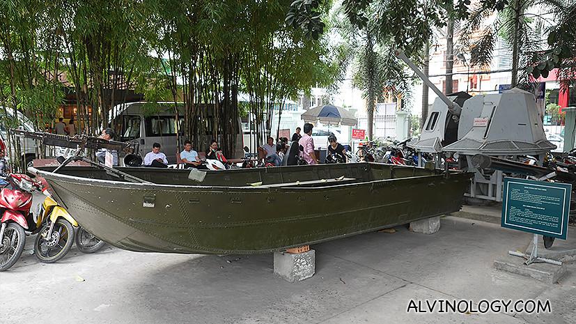 Attack vessel