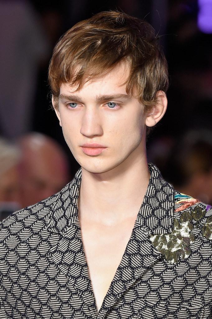 Eugen Ivanov3072_SS16 Milan Gucci(fashionising.com)