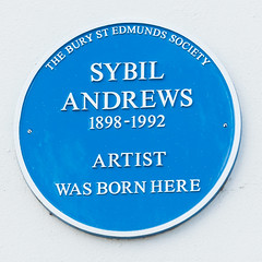 Photo of Sybil Andrews blue plaque