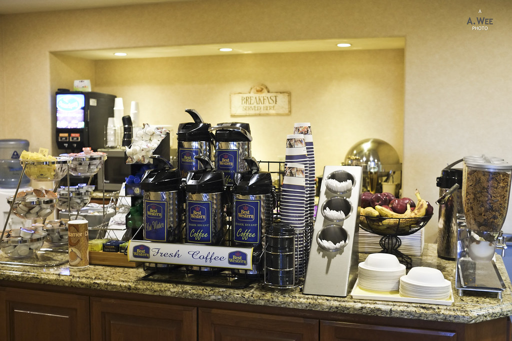 Breakfast bar counter