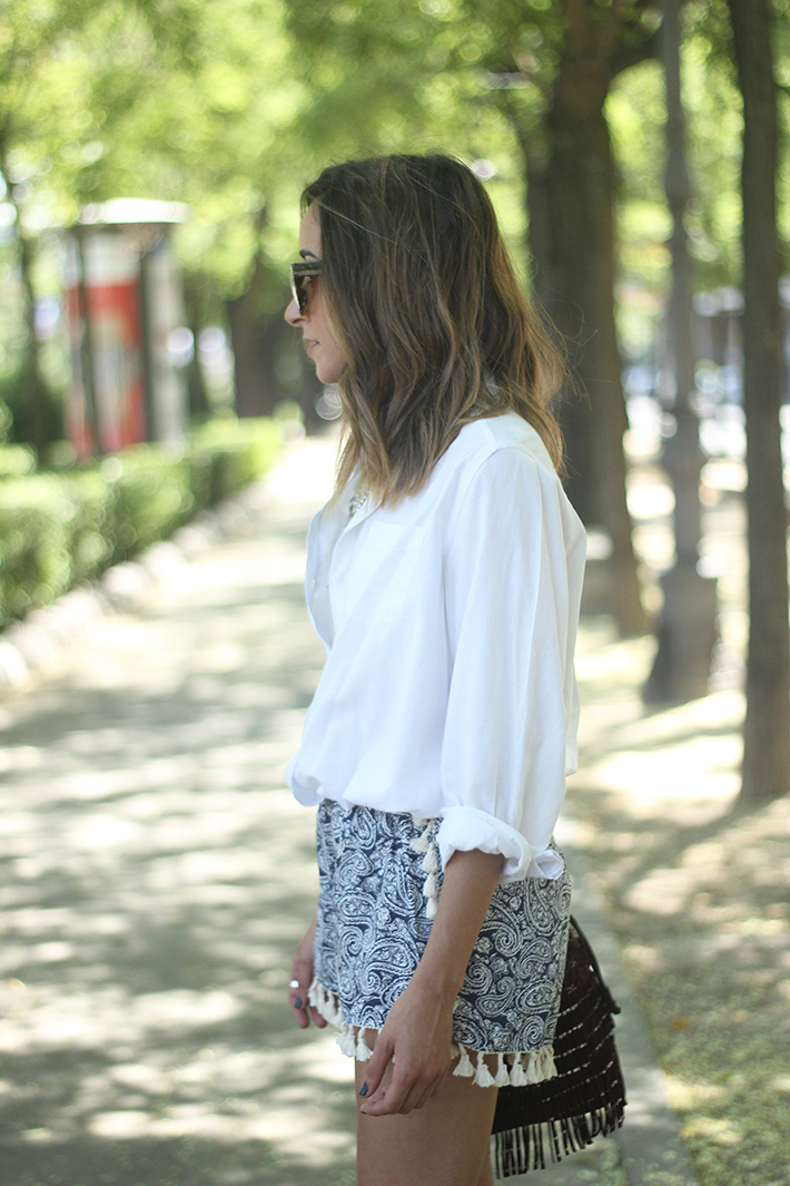 Blue Shorts White Shirt Summer Outfit11