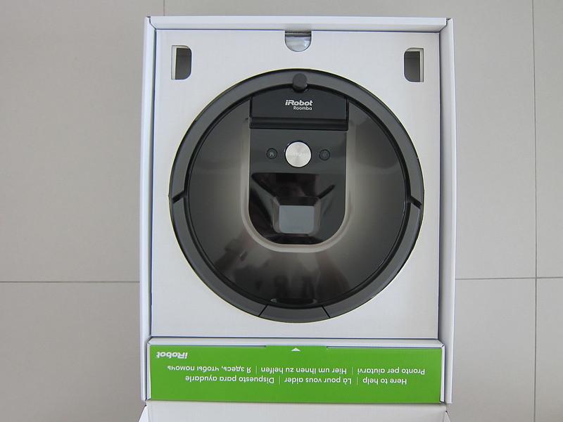 iRobot Roomba 980 - Box Open
