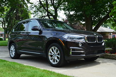 automobile, sport utility vehicle, executive car, wheel, vehicle, automotive design, bmw x3, compact sport utility vehicle, bmw x1, bmw x5, crossover suv, bmw x5 (e53), bumper, land vehicle, luxury vehicle,