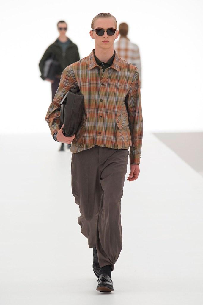 Dominik Sadoch3327_SS16 Milan Ermenegildo Zegna(fashionising.com)