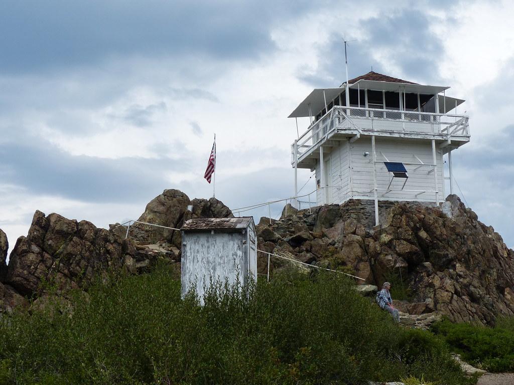 Mills Peak Lookout