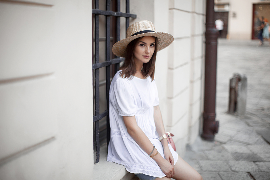 straw-boater-hat-white-top-outfit-blog