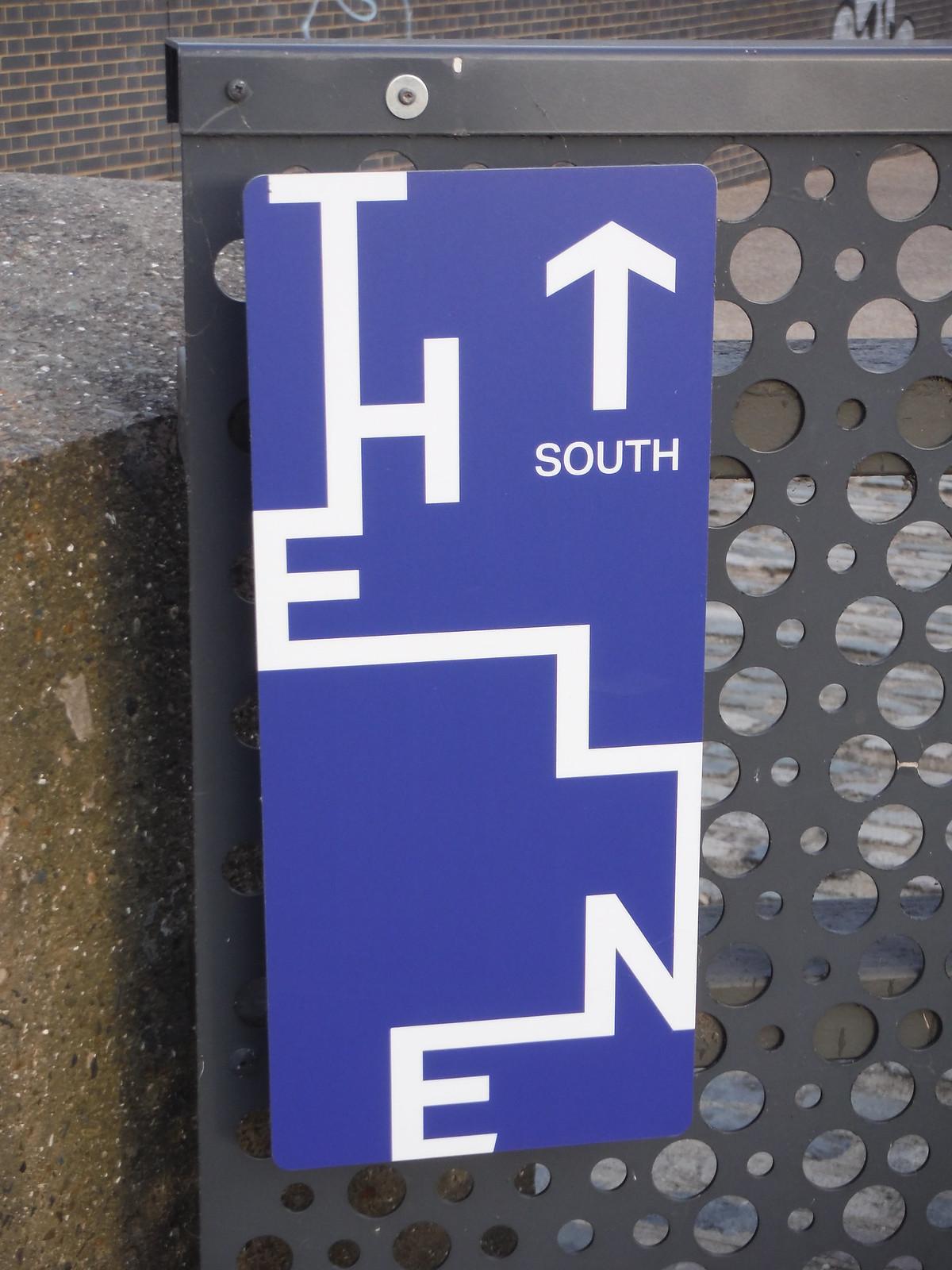 The Line Waymarker SWC Short Walk 21 - The Line Modern Art Walk (Stratford to North Greenwich)