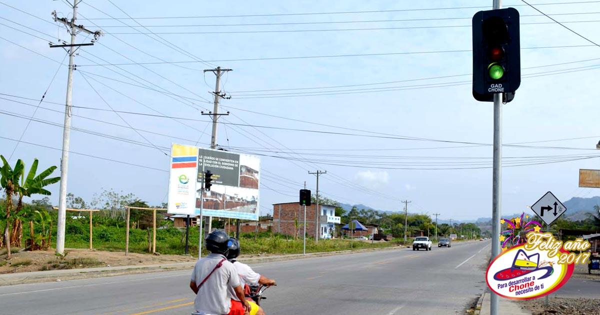 Instalan semáforos en San Andrés