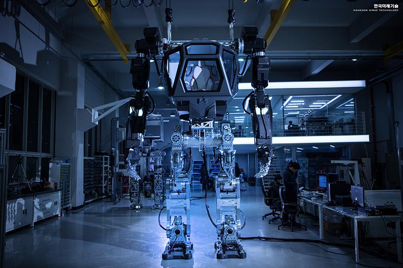 Пилотируемый робот-гуманоид METHOD-2