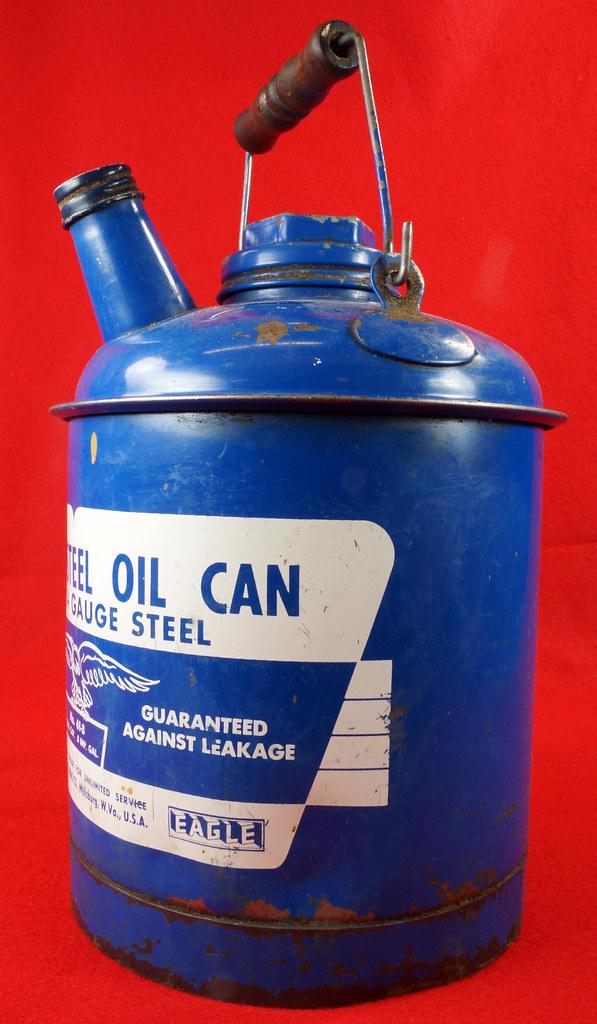 RD7979 Vintage Original Eagle Welded 24 Gauge Steel Blue 1 Gallon Oil Can DSC08054