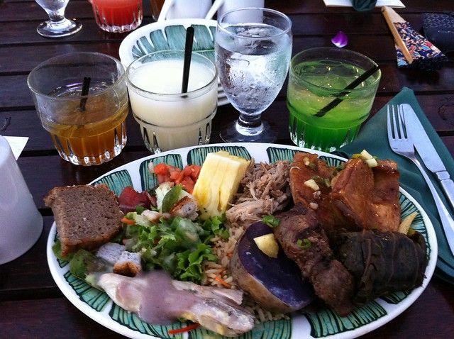 Buffet Dinner at the Old Lahaina Luau