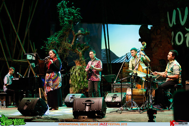 Ubud Village Jazz Festival 2015 - Nial Djuliarso Quartet ft Laura Brunner (1)